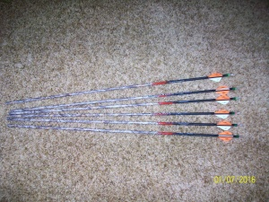 6-Carbon Express maxima 350 arrows lost camo 3-Red & 3-Green nocturnal lighted nocks